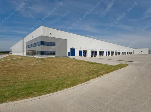 Logistické či výrobní haly