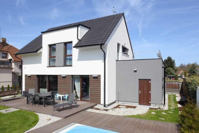 Pasivní dům se sedlovou střechou a garáží č.1